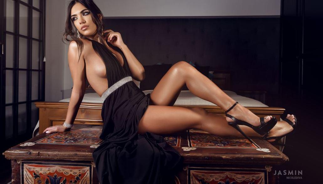 NicoleDiva Model GlamourCams
