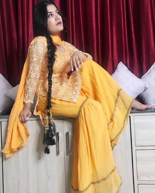 Kaur B Photos