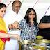 विश्वास सारंग ने गरीबों को भोजन करवा कर बेटी का जन्म-दिन मनाया.