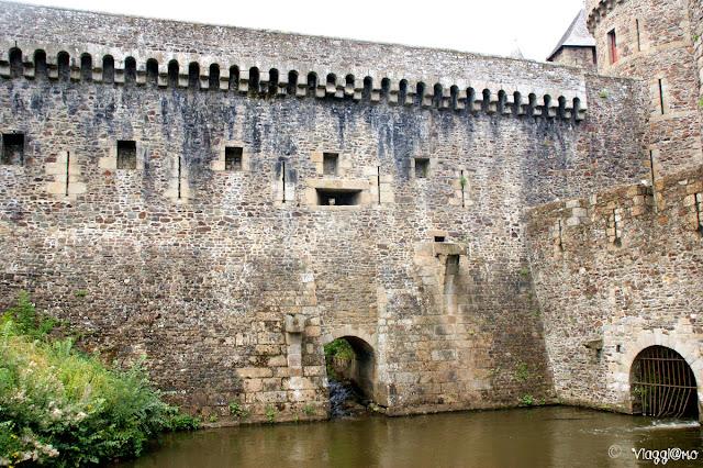 Cinta Muraria e Fossato del Castello di Fougeres