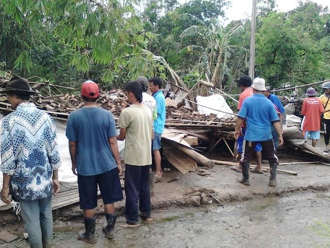 Korban Bencana di Kabupaten Subang Bangun Rumah Dengan Biaya Swadaya