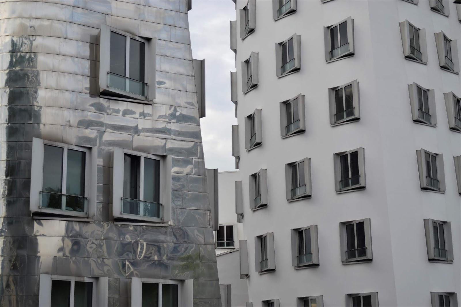 Architettura decostruttivista