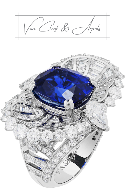 Van Cleef & Arpels Mer de Sindh ring with a cushion-cut sapphire of 10.80 cts (Sri Lanka) and diamonds #brilliantluxury