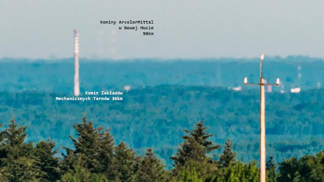 Kominy  ArcelorMittal Poland w Nowej Hucie widoczne z Głobikowej