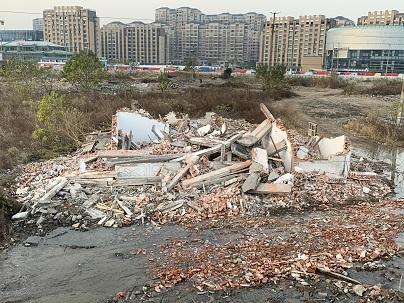 江苏如东县一夜强拆三家,官方称不小心将房屋铲除了