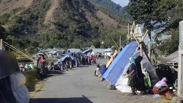 Pulau Lombok kembali diguncang dua gempa besar dalam beberapa jam