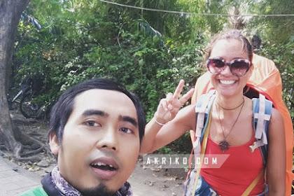 Bule ini Jalan Kaki dari Ubud ke Denpasar?