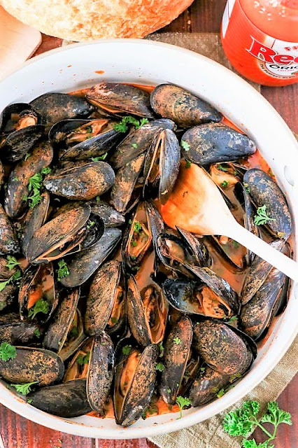 How to Make Buffalo Steamed Mussels image