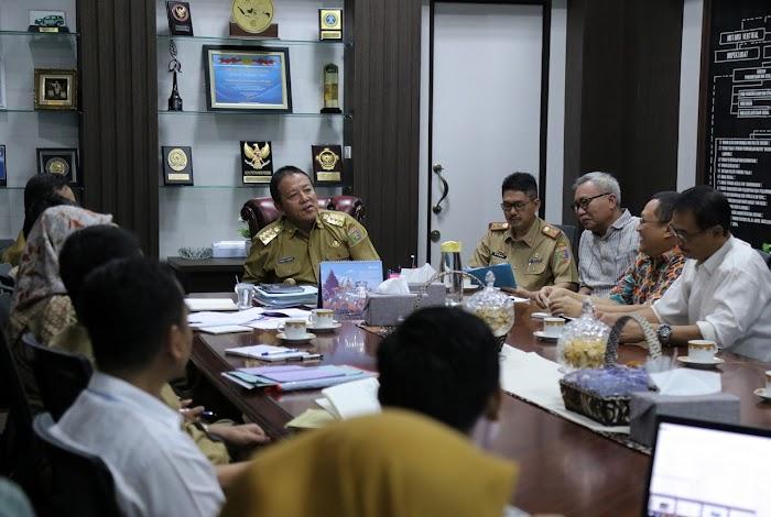 Dukung Produksi Pakan Ternak, Gubernur Arinal Apresiasi Keberhasilan Unila Ciptakan Mesin Perajang Singkong