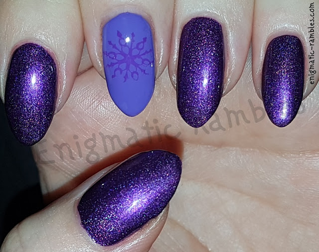 Snowflake-Purple-Holographic-Nails