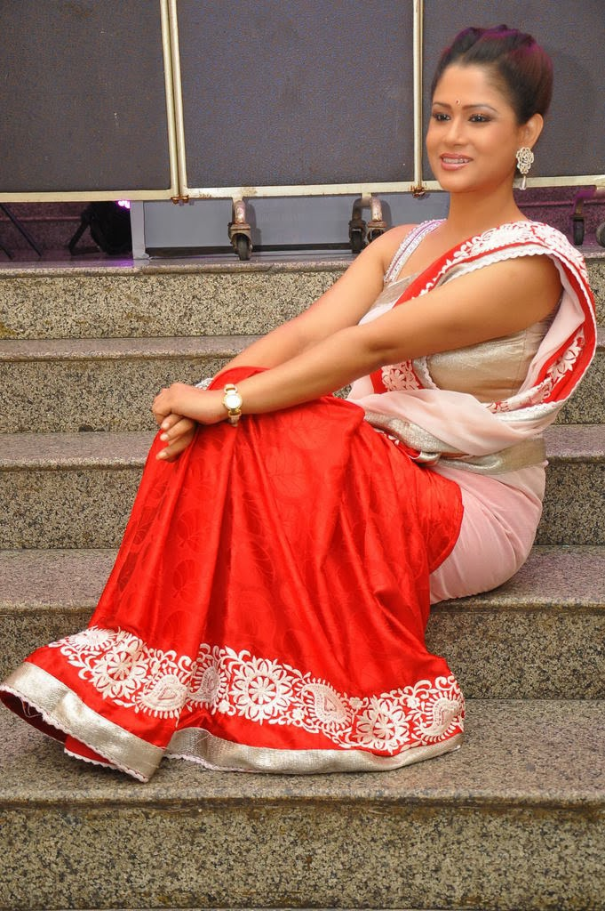 sexy Shilpa chakravarthy in hot red saree
