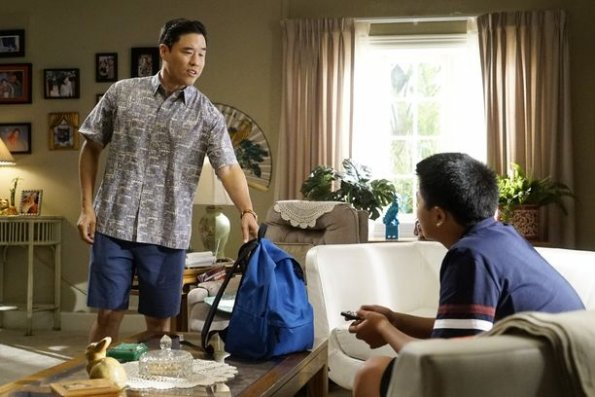 """fresh off the boat episode 601 help unwanted season premiere promotional photo 05 595 - Fresh Off The Boat (S06E01) """"Help Unwanted"""" Season Premiere"""