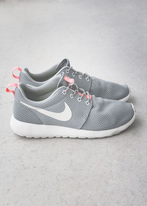 Cheap Nike Shoes For Women #sneakers #nikeshoes