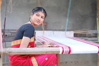 Picture of a girl making gamusa
