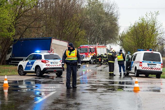 Baleset Zákányszéken: felborult egy autó