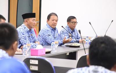 viral para gubernur sidak, gubernur Arinal mengarahkan agar Dinas Bina Marga dan Bina Kontruksi Provinsi Lampung segera melakukan upaya peningkatan Terminal Rajabasa menjadi sekelas Bandara Raden Intan II