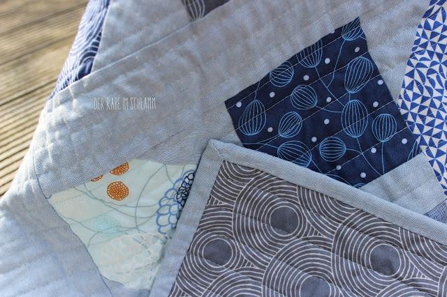 Quilt, Jolly Bar Jazz Quilt, True Blue, Essex Yarn Dyed Linen, Der Rabe im Schlamm