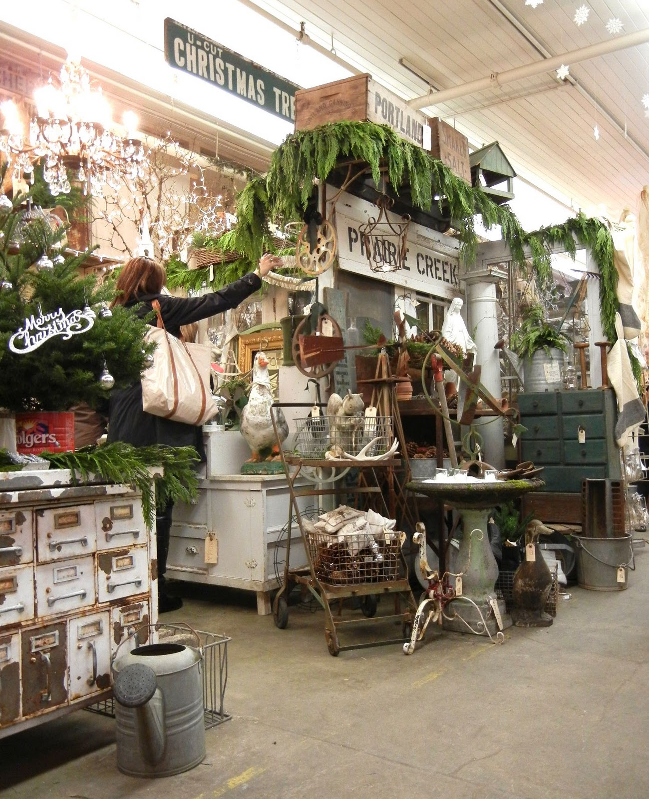 Antique Ideas: Into Vintage: Vintage Christmas With A Pinch Of Kitsch And