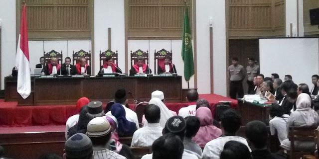 Pembacaan Tuntutan Ahok Ditunda Kamis Depan, Pengunjung Sidang Bersorak 'Huu.. Sandiwara. Pecat saja tuh Jaksanya'