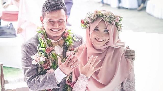 Ikhlas Menerima Perjodohan, Sang Ayah Menulis Sebuah Pesan Yang Sangat Menyentuh Untuk Putrinya