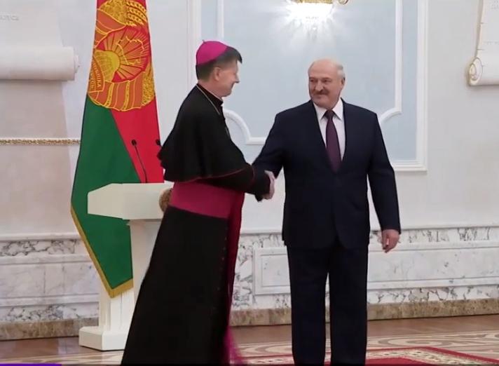 Lukashenko, con el nuevo nuncio en Bielorrusia