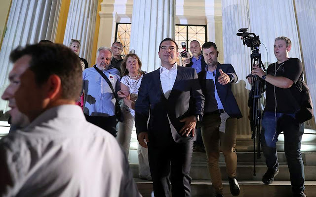 Suddeutsche Zeitung: Γιατί τιμώρησαν οι Ελληνες τον Τσίπρα