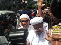 Rizieq Tiba di Polda, Wartawan dan Polisi Adu Jotos