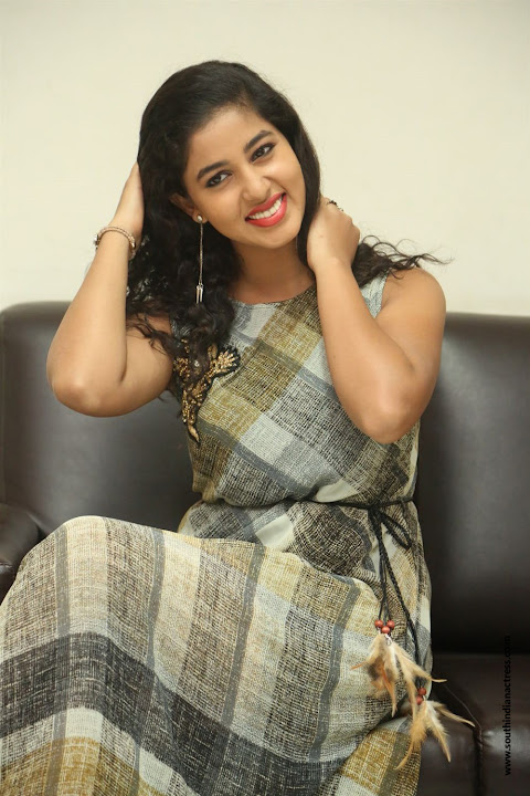 lovers club heroine pavani interview pos 6