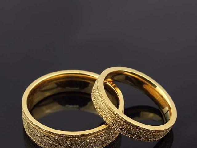 Mua nhẫn cưới dưới 5 triệu thì nên mua vàng 18K hay 24K