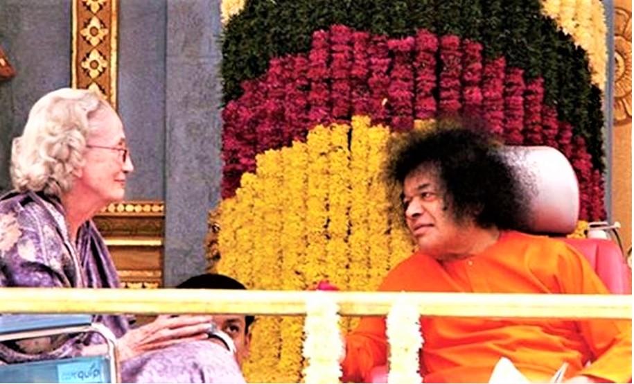 Sathya Sai with Students: Sathya Sai Baba's Greatest Gift