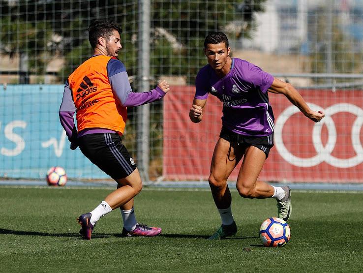 newest da00c 1e00e Surprise | Cristiano Ronaldo Switches to Modified Nike ...