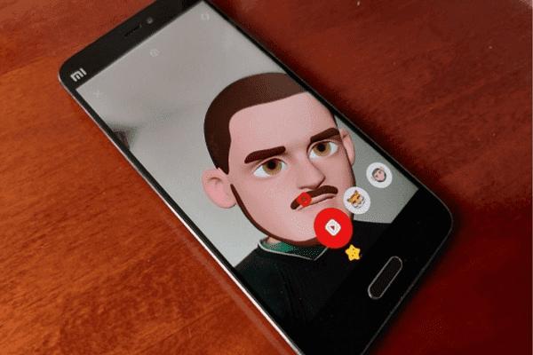 Chudo ، تطبيق مراسلة جديد شبيه للواتساب يحول وجهك إلى رموز تعبيرية