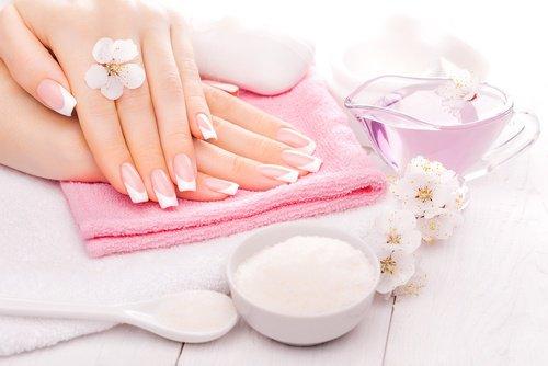 Crème maison pour des cuticules et des bouts des doigts en bonne santé