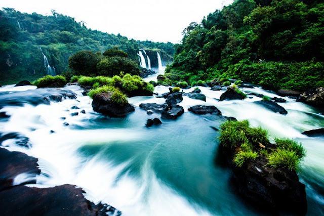 Iguazu Falls (Brazil, Argentina and Paraguay)