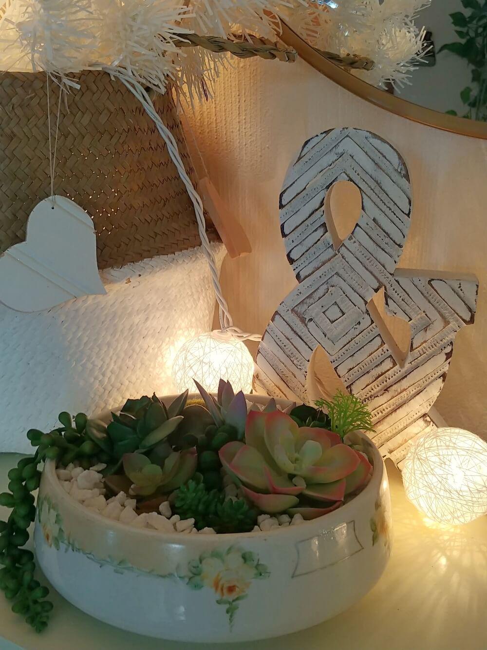 https://www.littlevintagecottage.com/2019/08/vintage-dish-succulent-planter-7-days.html