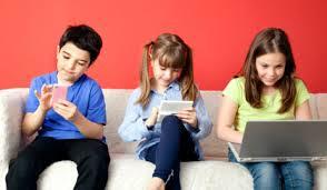 anak bermain sosial media