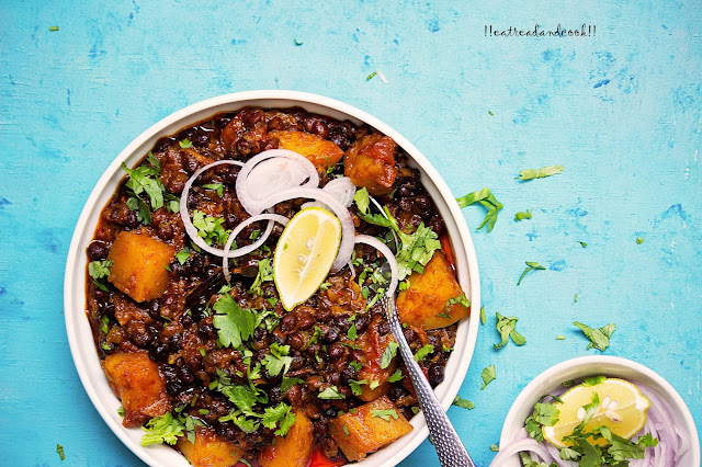 how to make black chickpeas curry recipe and preparation with step by step pictures