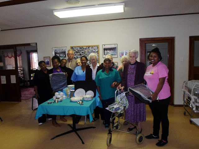 Hollywoodbets Jeffreys Bay team with donations to the Jeffreysrus Retirement Village - Social Responsibility Programme