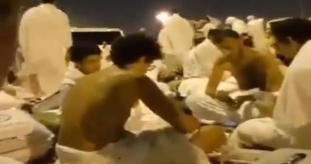 مقامرون في الحرم المكي حجاج يتجاوزن الخطوط الحمراء بالفيديو