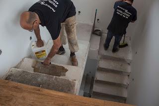 forrar escalera de madera con tarima de roble