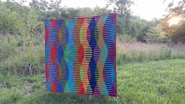 Interleave quilt using batiks