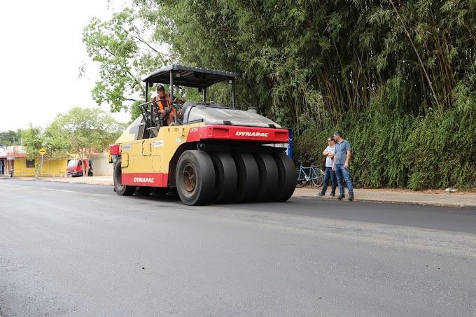 Iniciam as obras de recapeamento da rua São Luiz em Gravataí