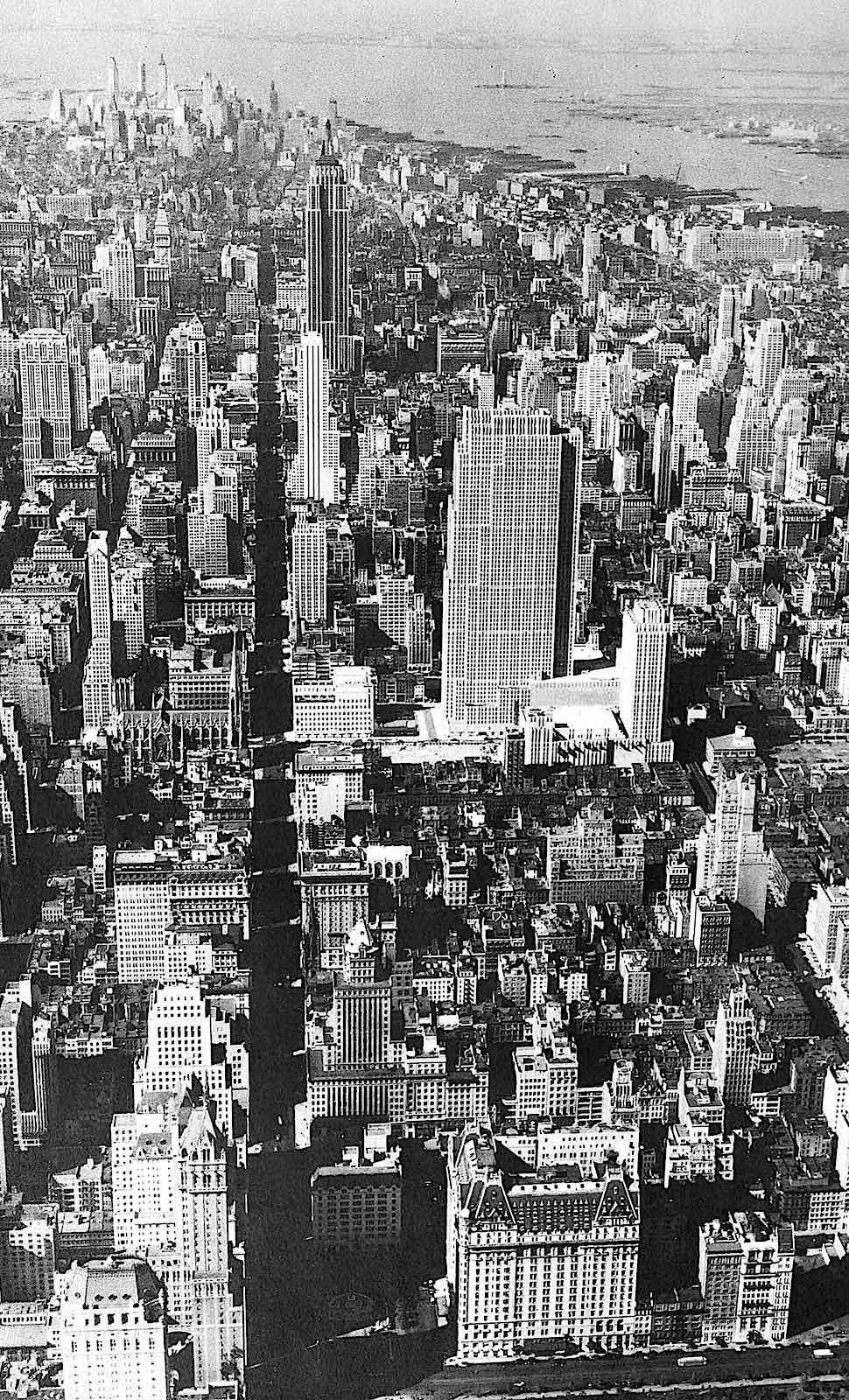a birdseye photograph of New York in 1931