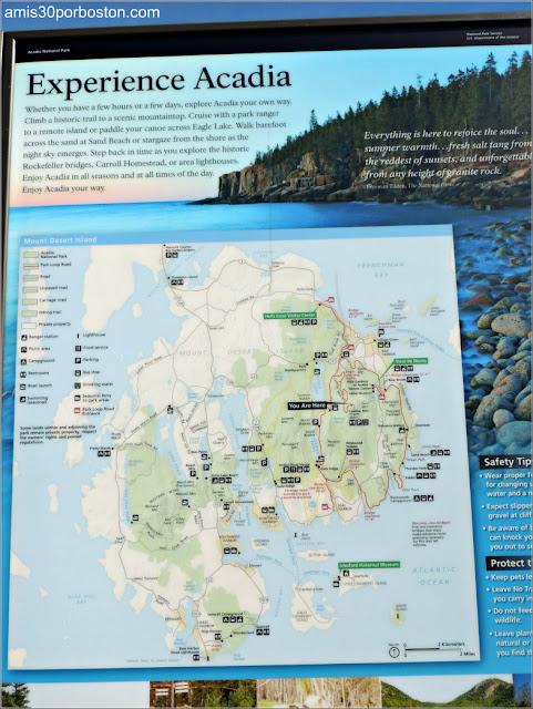 Cartel con el Mapa del Parque Nacional Acadia en Maine