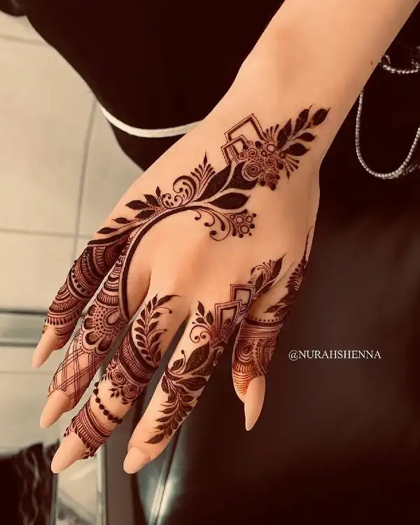 Small-leaves-designer-mehndi-pattern