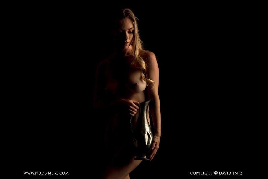 1500202391_nude-muse_venus-rose_urn002 [Nude-Muse] Venus Rose - Urn
