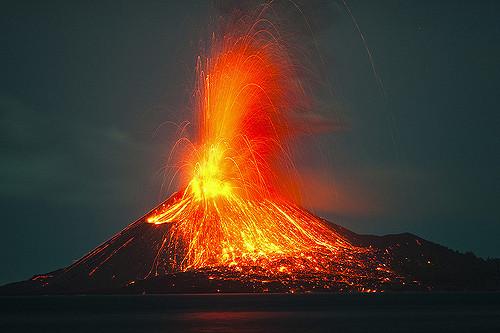 Após 94 tremores de terra registrados nos últimos dias, a erupção do vulcão nyiragongo, na república democrática do congo, exigiu que parte. Real World Fatos Veja Como E A Erupcao De Um Vulcao Bem De Perto Em Hd