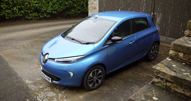 Renault Zoe 40 front view from above