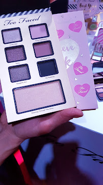regali di natale sephora - palette i belive in pink too faced too faced_02