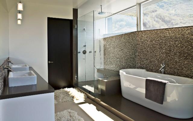 Interior Simple Bathroom